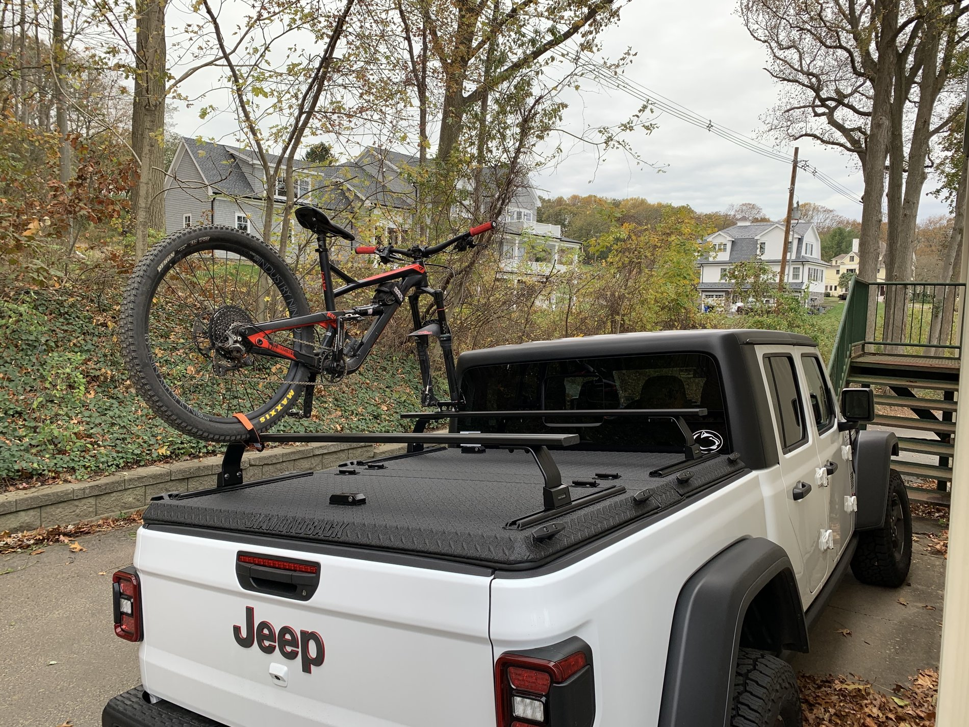 Bike Rack And Tonneau Cover Jeep Gladiator Forum