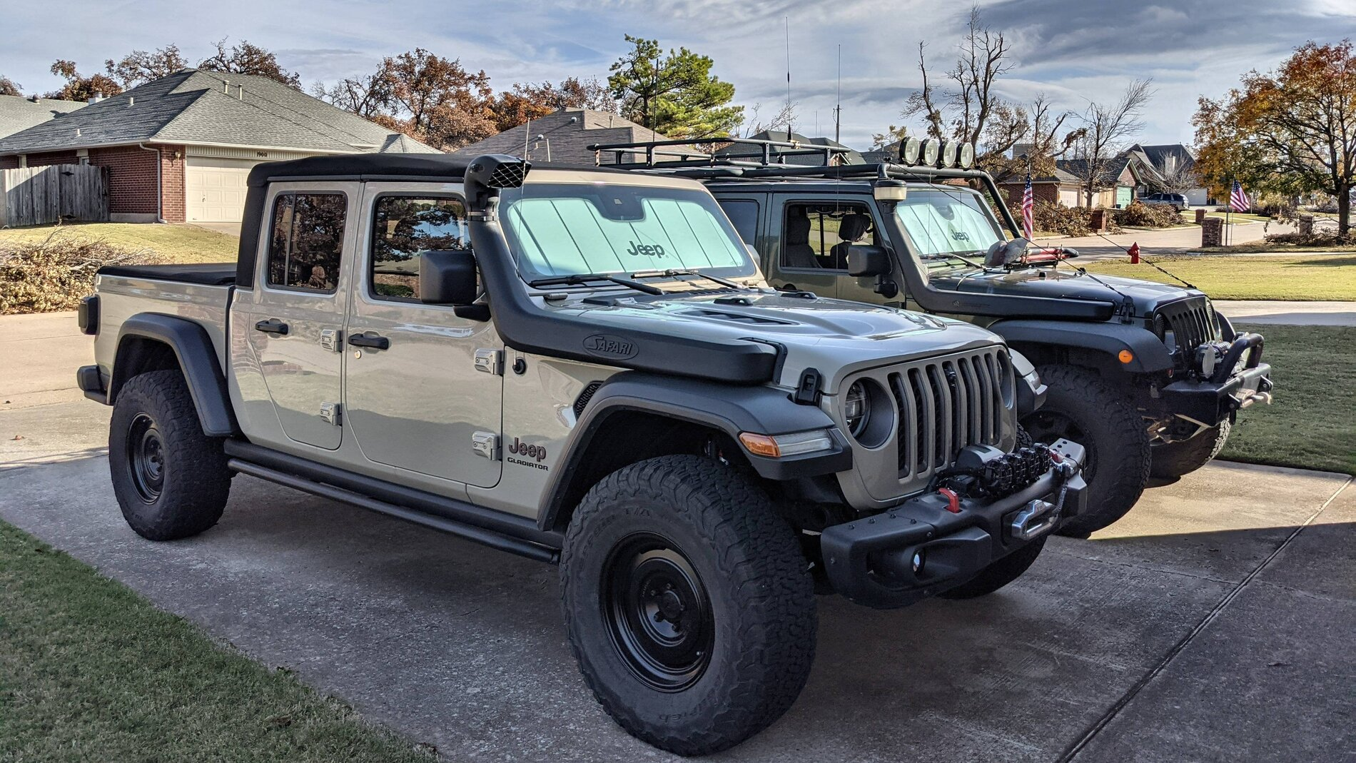 Driveway Poseur Shots, Nov 20, CP_954538, Jeeps and Clouds.jpg