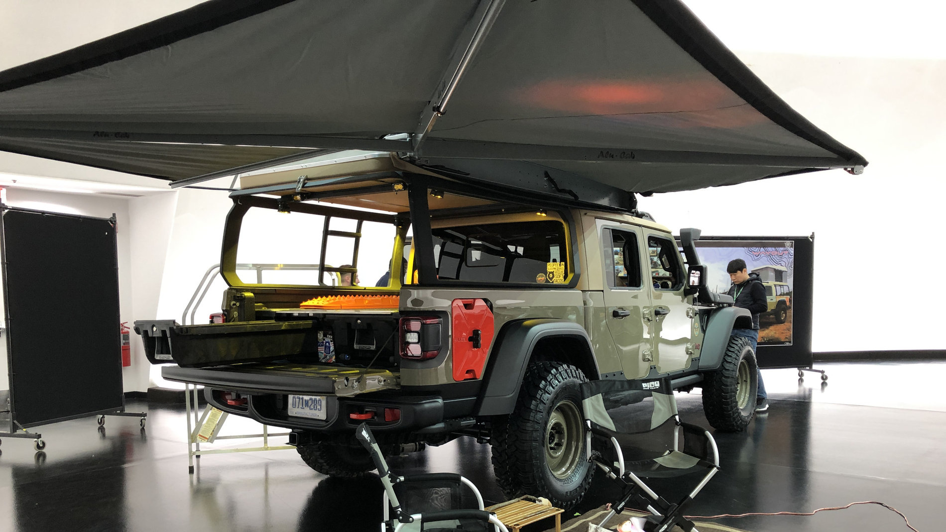 Jeep Gladiator Wayout Concept in Gator Color | Jeep Gladiator Forum