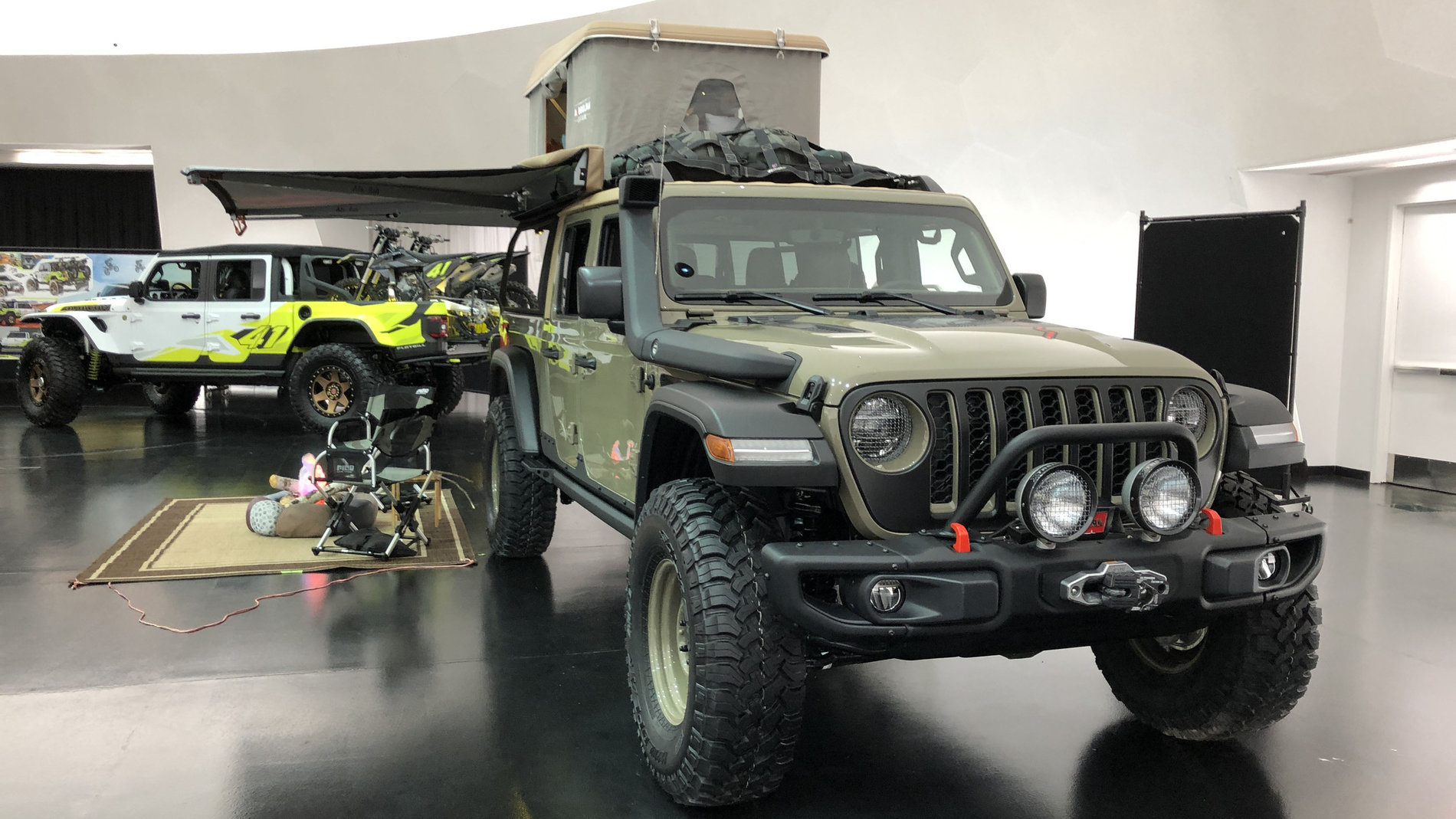 Jeep Gladiator Wayout Concept In Gator Color Jeep