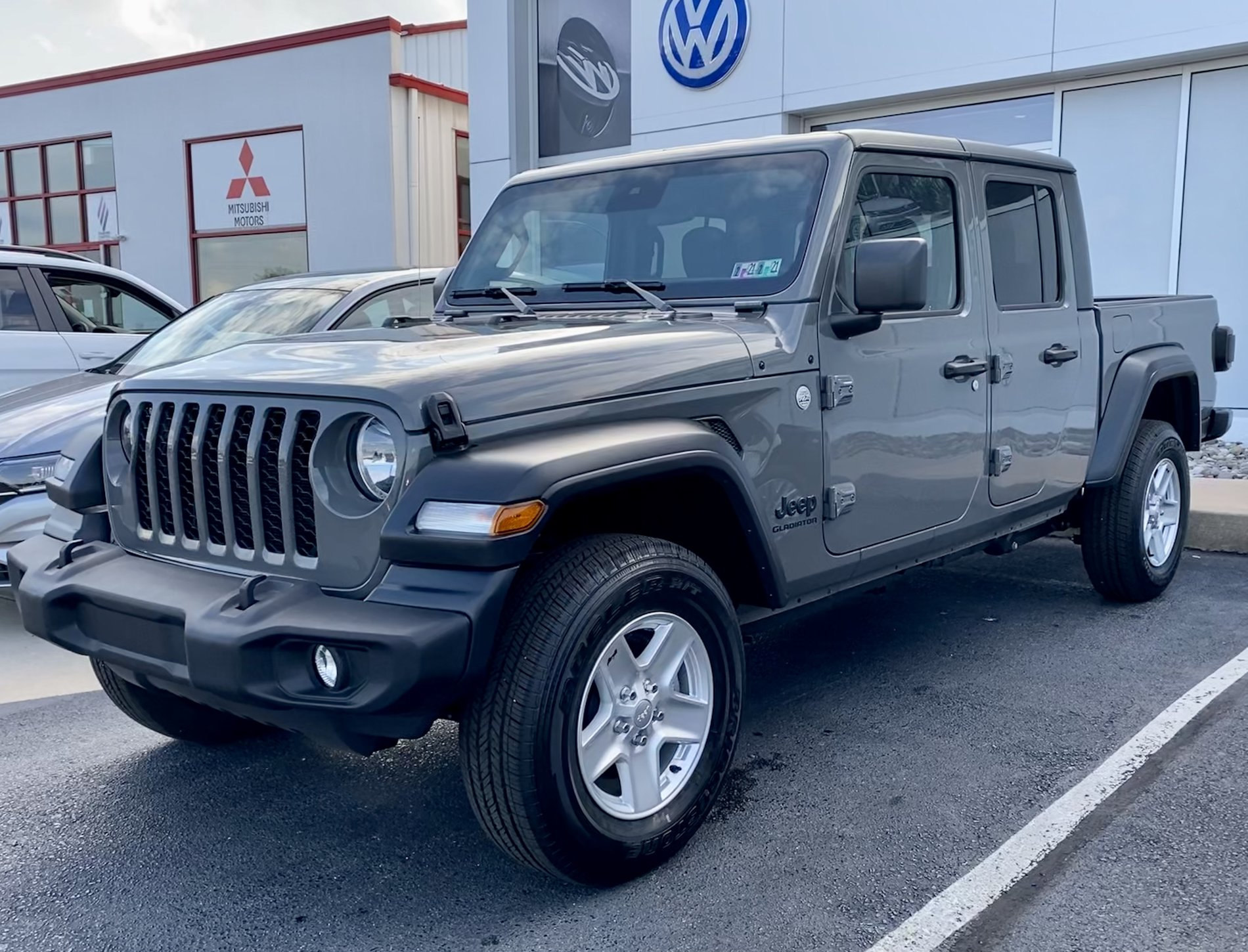My 2020 Jeep Gladiator Sport S in Sting Gray the day I bought it.jpg