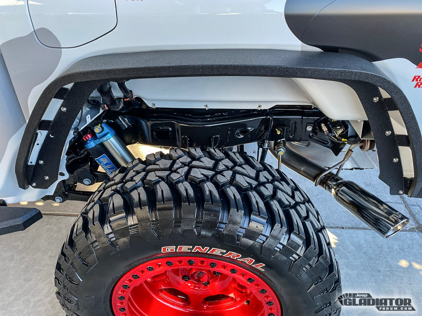 Pro-Motorsports-Supercharged-JT-Jeep-Gladiator-SEMA-Build--12.jpg