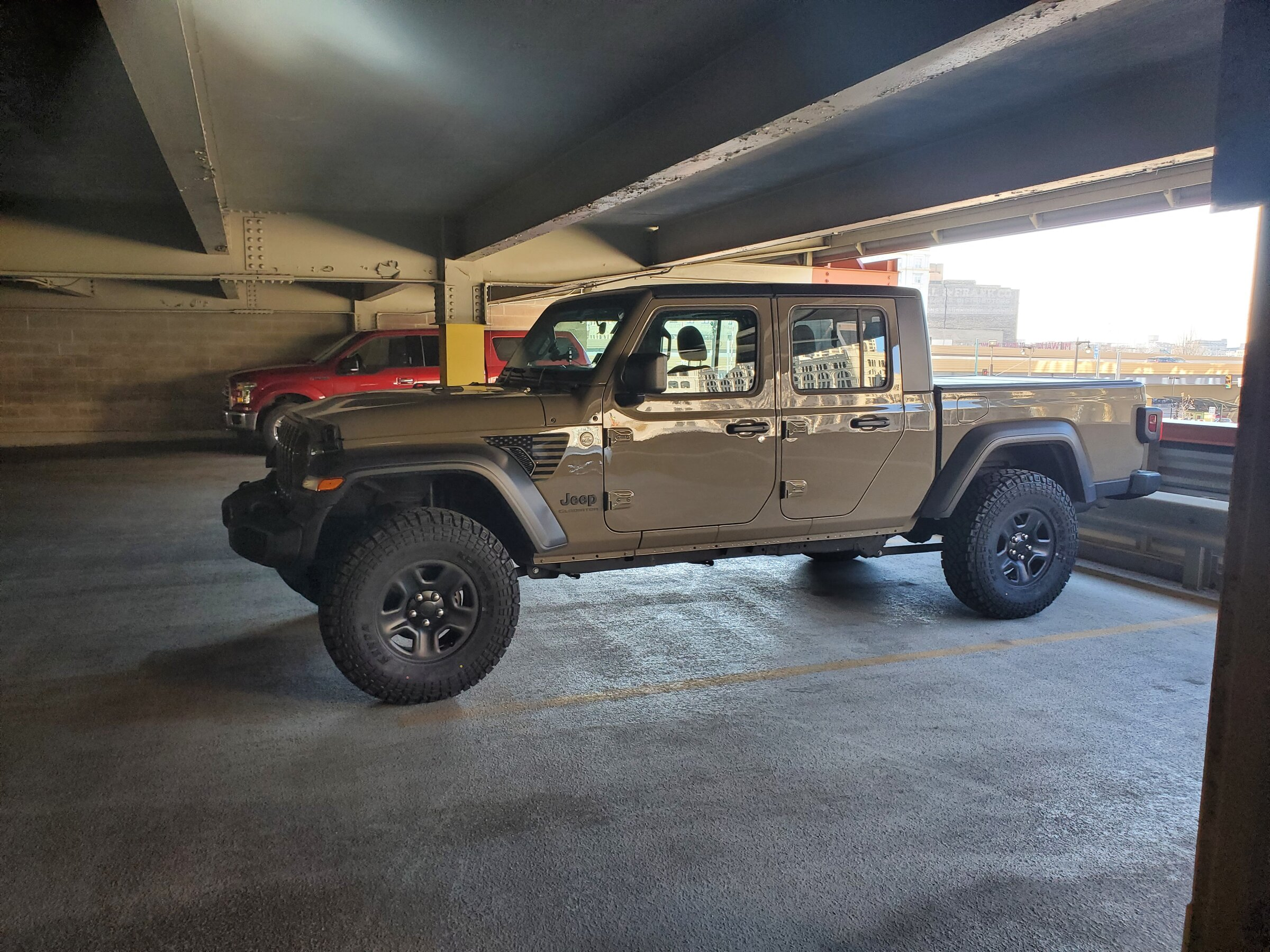 Pictures of 33s and 35s   Page 12   Jeep Gladiator Forum
