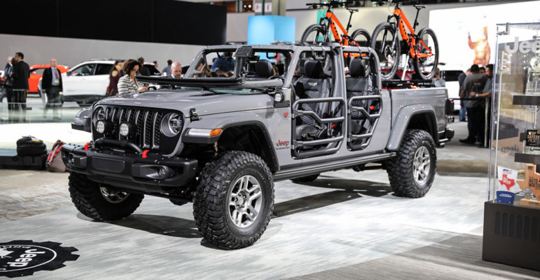 Sunrider Soft Top >> JGF Live Coverage: 2020 Jeep Gladiator Debut from the LA ...