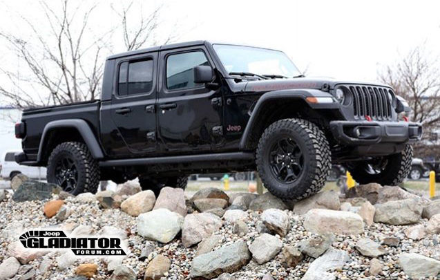 2020 Jeep Gladiator Blacked Out