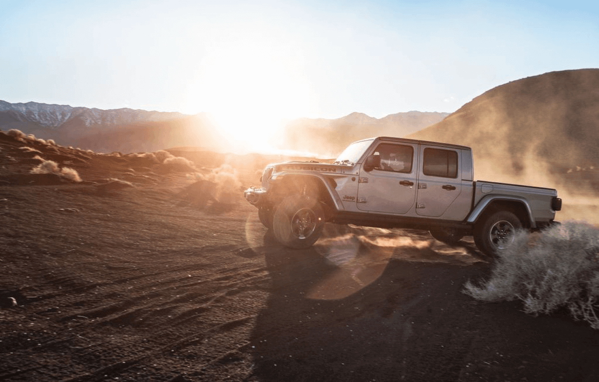 jeep gladiator rubicon review reveals pricing mpg est  jeep gladiator jt news