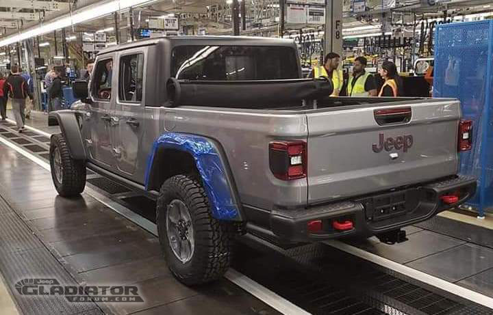 First Production 2020 Jeep Gladiator Rolls Off The Line ...
