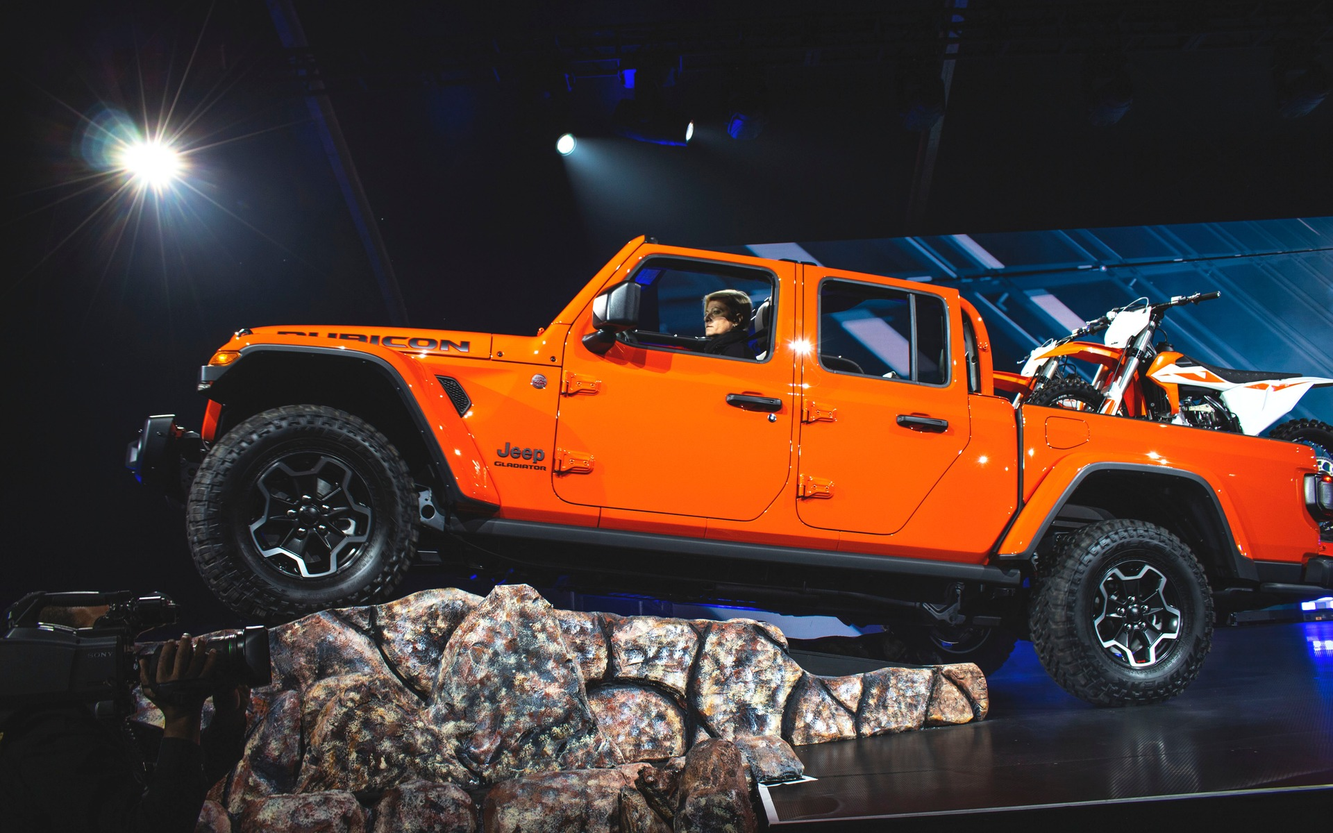 2020 Jeep Gladiator Orders Begins First Half of April, But ...